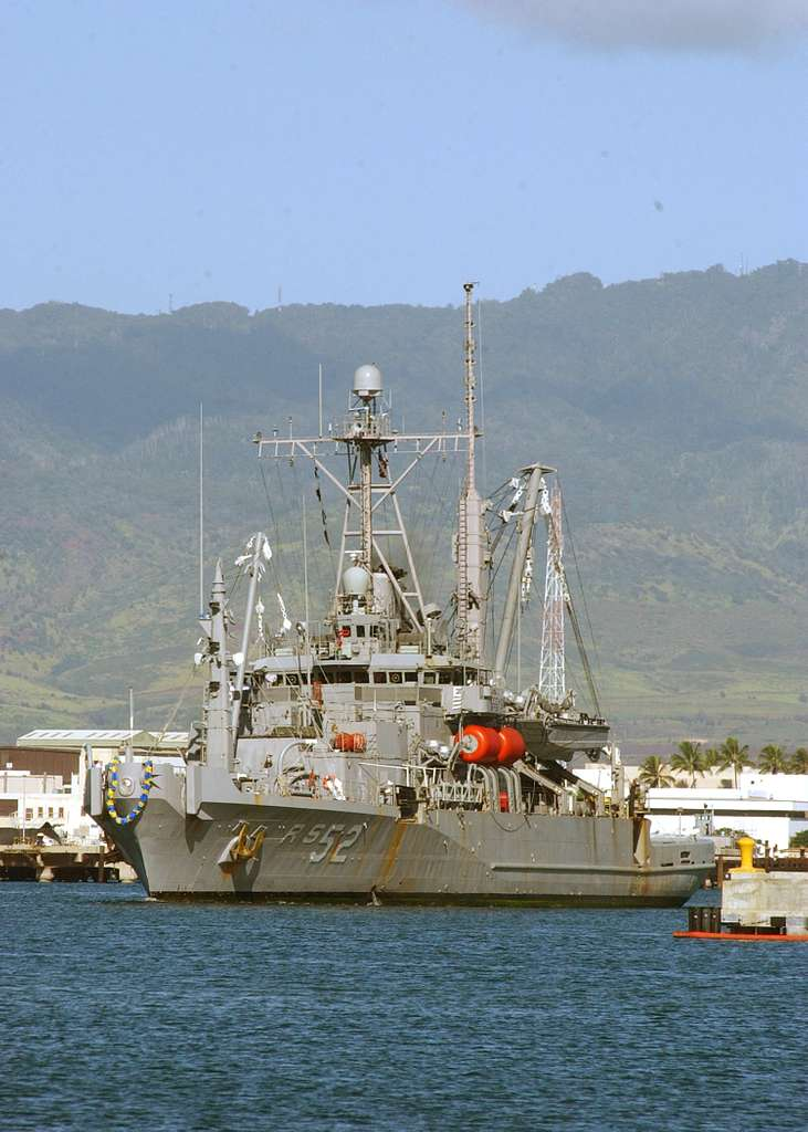 Auxiliary rescue and salvage ship USS Salvor (ARS 52) pulls into Pearl Harbor following a deployment to the Western Pacific.