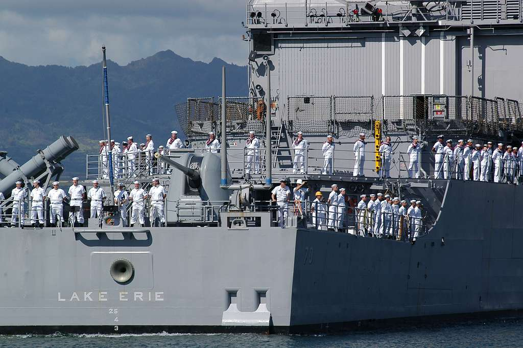 The guided-missile cruiser USS Lake Erie (CG 70), and her crew of more than 400 Sailors, Commanded by Capt. Joseph A. Horn, Jr., returns to Pearl Harbor after a four-month deployment to the Western Pacific in support of the Global War on Terrorism.
