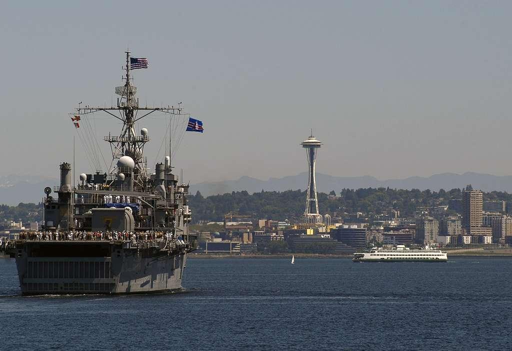 The amphibious transport docks ship USS Cleveland (LPD 7) transits through Puget Sound during Seattle Seafair 2007.