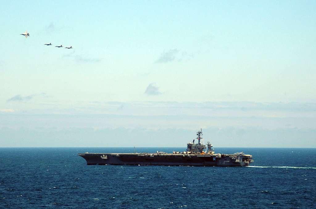F/A-18 Super Hornets flight demonstration for Peruvian guests visit aboard the aircraft carrier USS Carl Vinson (CVN 70).