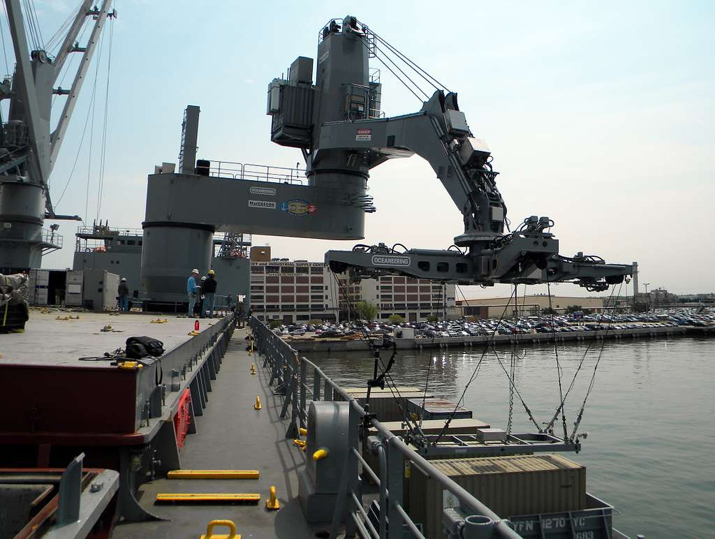 The Office of Naval Research tests their Large Vessel Interface Lift-on/Lift-off (LVI Lo/Lo) crane at Naval Station Norfolk.