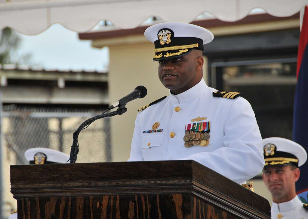 MSRON 7 holds change of command ceremony.