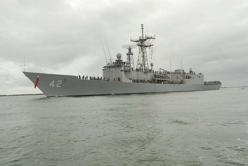 USS Klakring (FFG 42) returns to Naval Station Mayport after a successful six-month deployment to the Caribbean, Central and South America supporting Southern Seas 2010.