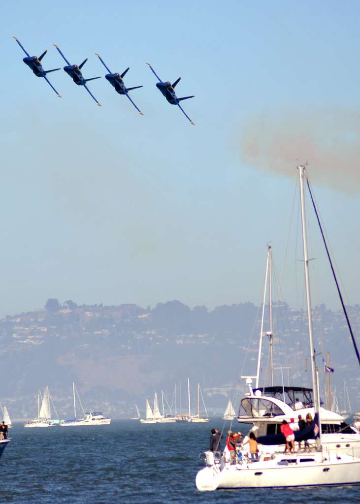 F/A-18C Hornets assigned to the U.S Navy flight demonstration squadron, the Blue Angels, perform over San Francisco Bay during San Francisco Fleet Week 2010.