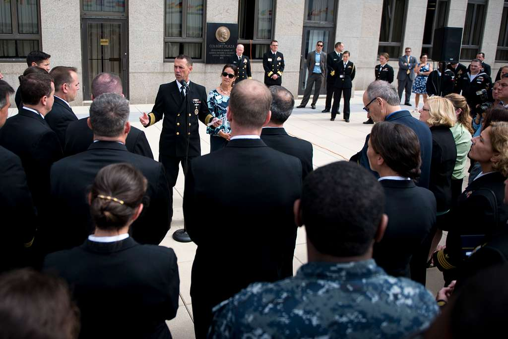 Chief of Naval Operations (CNO) Adm. John Richardson thanks the  support staff who helped make the 22nd International Seapower Symposium (ISS) possible at U.S. Naval War College in Newport, R.I.
